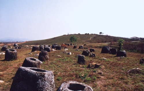 Plain_of_Jars_2.jpg