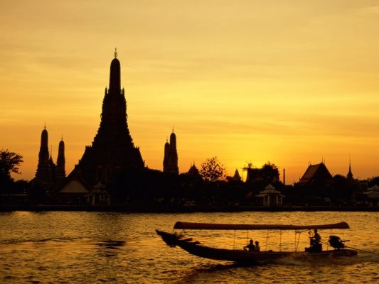 Wat Arun, Bangkok, Thailand.jpg